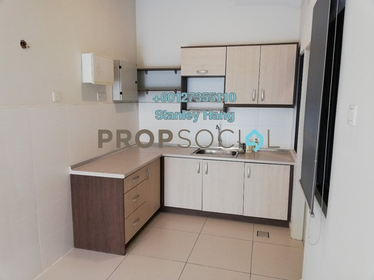 Condominium For Sale in Zefer Hill Residence, Bandar Puchong Jaya Freehold Semi Furnished 3R/3B 560k