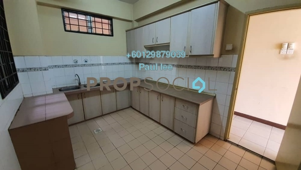 Condominium For Sale in Impian Heights, Bandar Puchong Jaya Freehold Semi Furnished 3R/2B 339k