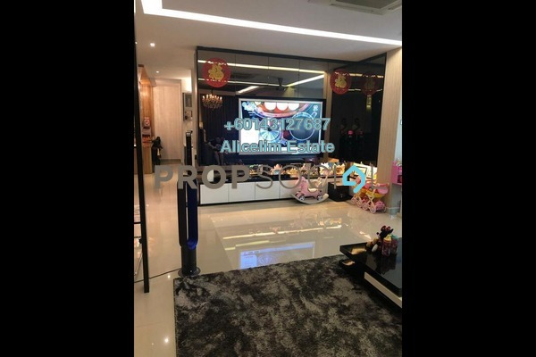 Semi-Detached For Sale in Emerald East, Rawang Freehold Semi Furnished 5R/5B 1.25m