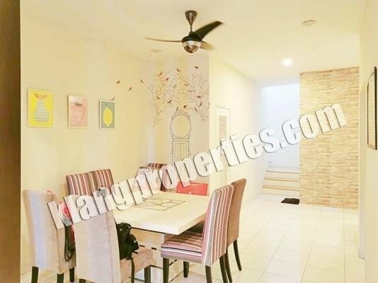 Terrace For Sale in Nobat, Bandar Bukit Raja Freehold Fully Furnished 4R/3B 880k