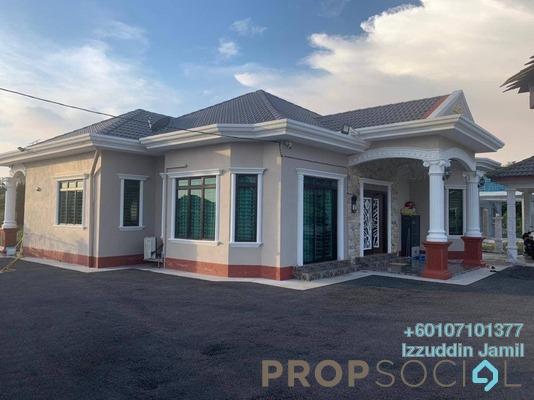 Bungalow For Sale in Kampung Labu Lanjut, Sepang Leasehold Semi Furnished 4R/3B 750k