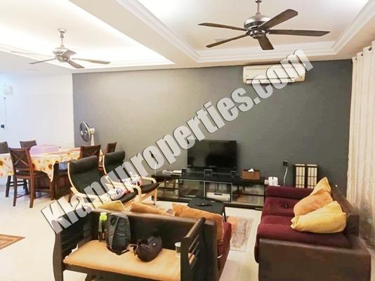 Terrace For Sale in Jalan Zapin, Bandar Bukit Raja Freehold Semi Furnished 4R/4B 680k
