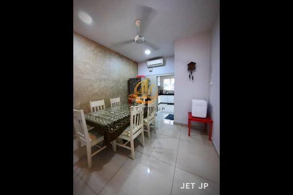 Terrace For Sale in Avira, Bandar Bukit Raja Freehold Semi Furnished 4R/4B 779k