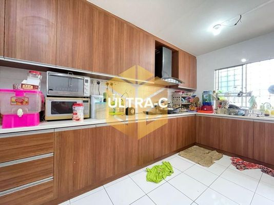 Terrace For Sale in Aspira, Bandar Bukit Raja Freehold Semi Furnished 4R/3B 750k