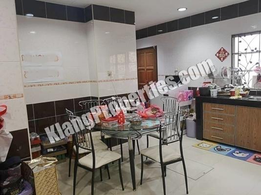 Terrace For Sale in Cogan, Bandar Bukit Raja Freehold Fully Furnished 4R/3B 645k