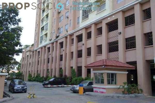 Condominium For Sale in D'Aman Ria, Ara Damansara Freehold Semi Furnished 4R/2B 540k
