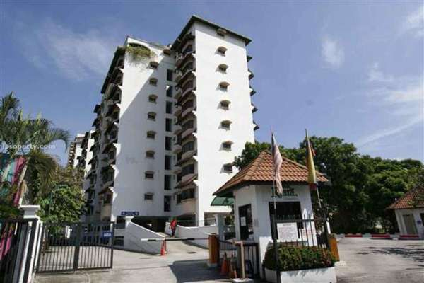 Condominium For Sale in Desa Kiara, TTDI Freehold Semi Furnished 3R/2B 560k