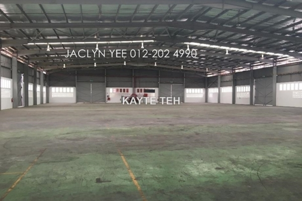 Factory For Rent in TSB Commercial Centre, Sungai Buloh Freehold Unfurnished 0R/0B 68k