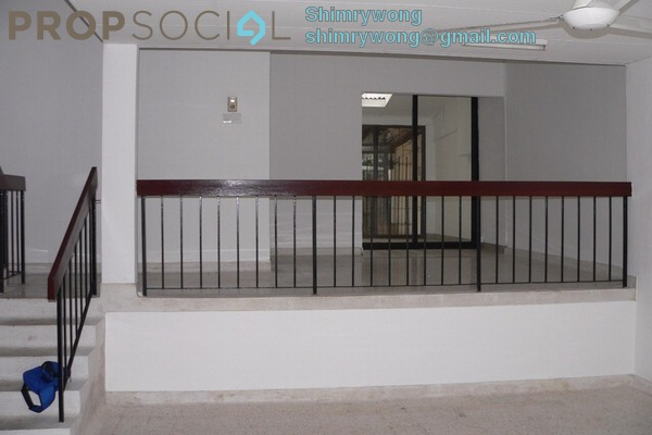 Terrace For Sale in Taman Desa Seputeh, Seputeh Freehold Semi Furnished 5R/2B 1.2m