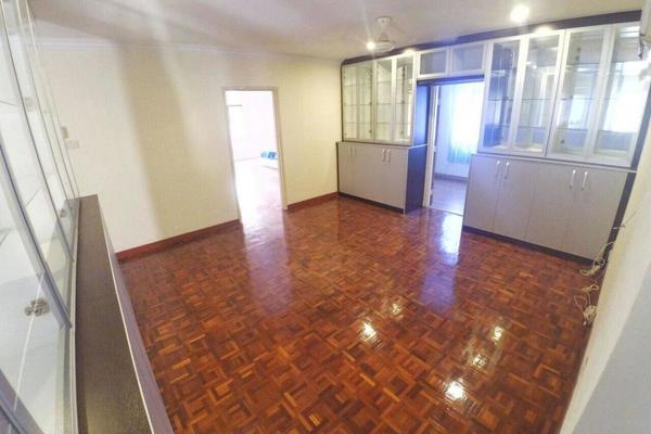 Semi-Detached For Sale in Section 13, Shah Alam Freehold Semi Furnished 5R/4B 1.9m