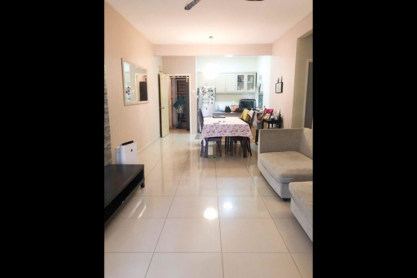 Condominium For Sale in Nilam Puri, Bandar Bukit Puchong Freehold Semi Furnished 3R/2B 430k