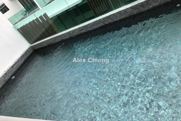 Villa For Sale in Taman Amanputra, Puchong Leasehold Unfurnished 4R/4B 1.2m