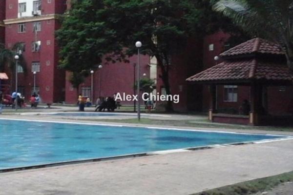 Apartment For Rent in Mentari Court 1, Bandar Sunway Leasehold Semi Furnished 3R/2B 1.05k