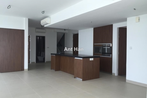 Serviced Residence For Sale in AraGreens Residences, Ara Damansara Freehold semi_furnished 5R/5B 2.7m