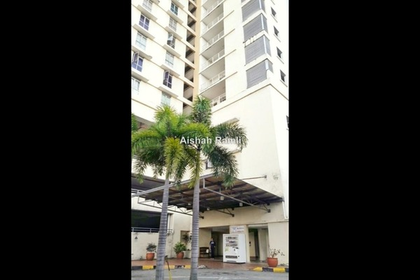 Condominium For Sale in Warisan Cityview, Cheras Freehold Unfurnished 3R/2B 395k