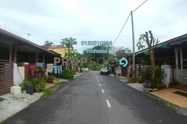 Terrace For Sale in Bandar Utama Batang Kali, Batang Kali Freehold Unfurnished 3R/1B 135k