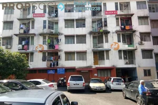 Apartment For Sale in Taman Bukit Idaman, Selayang Freehold Semi Furnished 2R/1B 135k