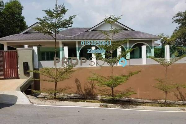 Bungalow For Sale in Section 9, Shah Alam Freehold Unfurnished 4R/5B 1.6m