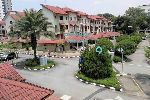 Townhouse For Sale in Villa Laman Tasik, Bandar Sri Permaisuri Freehold Semi Furnished 4R/2B 650k