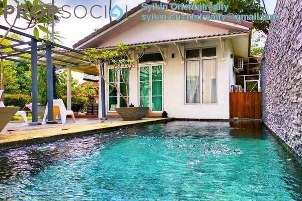 For Sale Semi-Detached at Laman Bakawali, Kota Seriemas Freehold Semi Furnished 5R/6B 1.55m