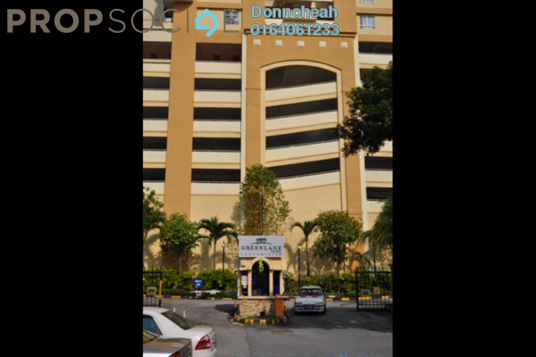 Condominium For Rent in Greenlane Park, Green Lane Freehold Fully Furnished 3R/2B 1.1k