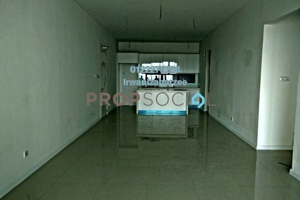 Condominium For Sale in Paragon 3, Bandar Putra Permai Leasehold Semi Furnished 4R/3B 800k