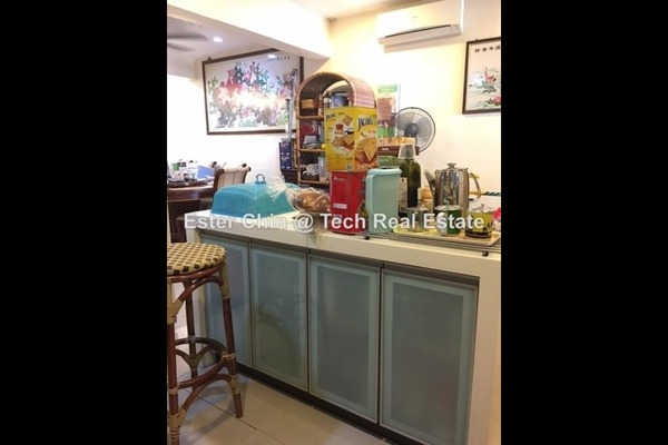 Townhouse For Sale in Taman Bukit Cheras, Cheras Freehold Semi Furnished 4R/3B 750k