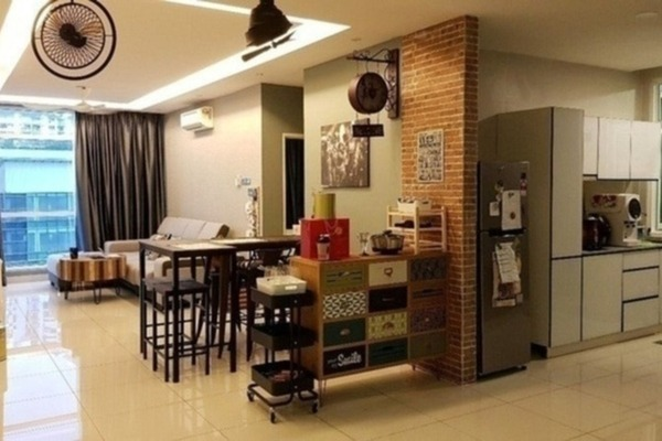 Condominium For Sale in The Centrina, Sungai Besi Freehold Semi Furnished 3R/2B 595k