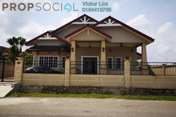 For Sale Bungalow at Laman Jasmin, Kota Seriemas Freehold Semi Furnished 3R/3B 1.4m