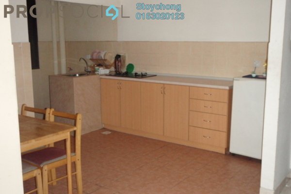 Condominium For Sale in Opal Damansara, Sunway Damansara Freehold Semi Furnished 3R/2B 420k