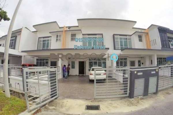 Terrace For Sale in Cherry, HillPark Leasehold Semi Furnished 4R/3B 530k