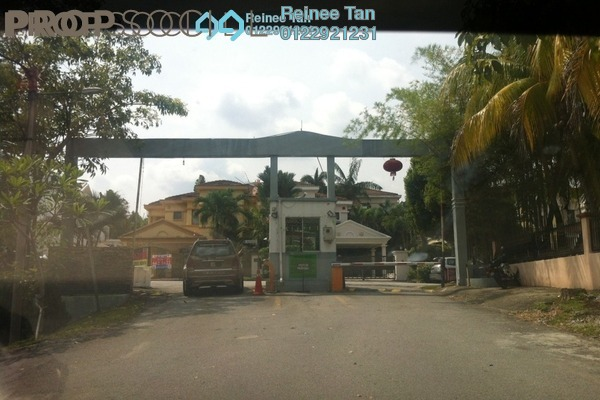 Semi-Detached For Sale in Taman Lestari Permai, Bandar Putra Permai Freehold Semi Furnished 4R/3B 950k