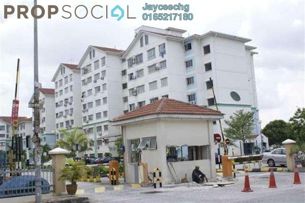 Apartment For Sale in Starville, UEP Subang Jaya Freehold Semi Furnished 3R/2B 305k