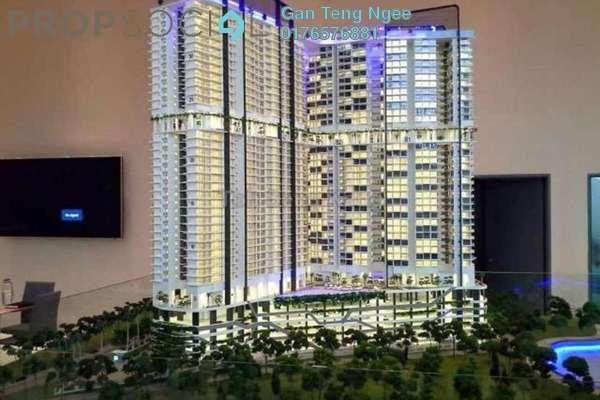 Serviced Residence For Sale in Sovereign Bay, Bandar Baru Permas Jaya Freehold Semi Furnished 2R/1B 390k