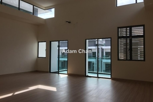 Villa For Sale in Reflexion, Puchong Leasehold Semi Furnished 3R/5B 1.8m