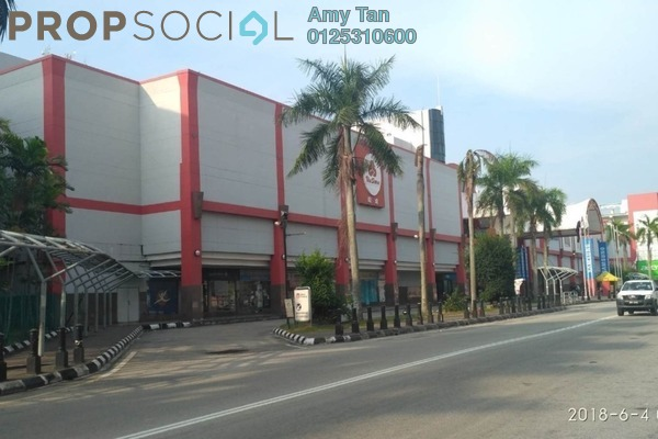 Shop For Sale in Sinaran Mahkota, Bandar Indera Mahkota Freehold Semi Furnished 0R/0B 182k