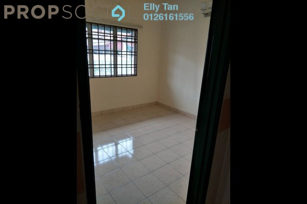Terrace For Sale in Bukit Raja Industrial Park, Klang Freehold Semi Furnished 3R/2B 550k