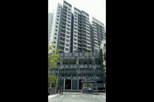 Condominium For Rent in Suria Residence, Bukit Jelutong Freehold Semi Furnished 1R/1B 1.5k