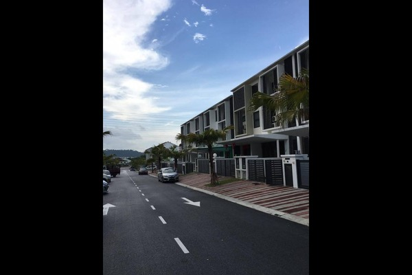 Terrace For Sale in Eden @ Jalil, Bandar Putra Permai Freehold Semi Furnished 5R/5B 1.25m