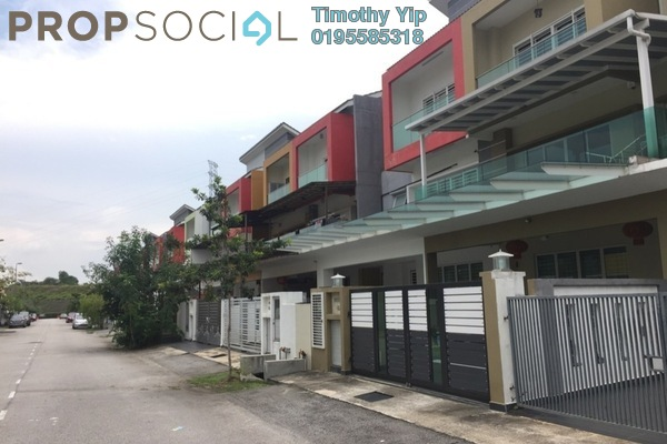 Terrace For Sale in Taman Suria Tropika, Bandar Putra Permai Freehold Semi Furnished 6R/4B 768k