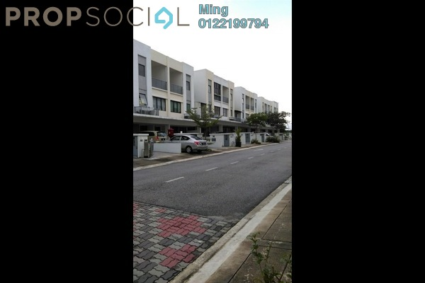 Condominium For Rent in Odora Parkhomes, 16 Sierra Freehold Fully Furnished 3R/2B 2.5k