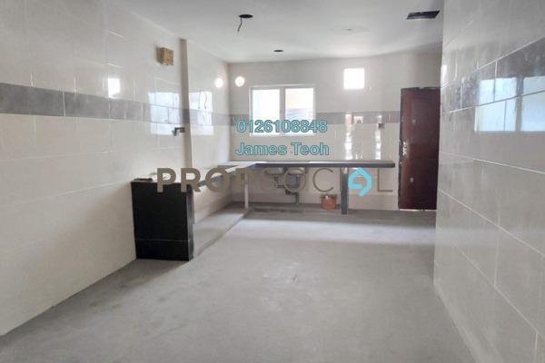 Terrace For Sale in Nafiri, Bandar Bukit Raja Freehold Semi Furnished 4R/3B 590k