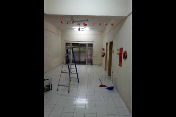 Apartment For Sale in Sri Manja Square, PJ South Freehold Semi Furnished 3R/2B 235k