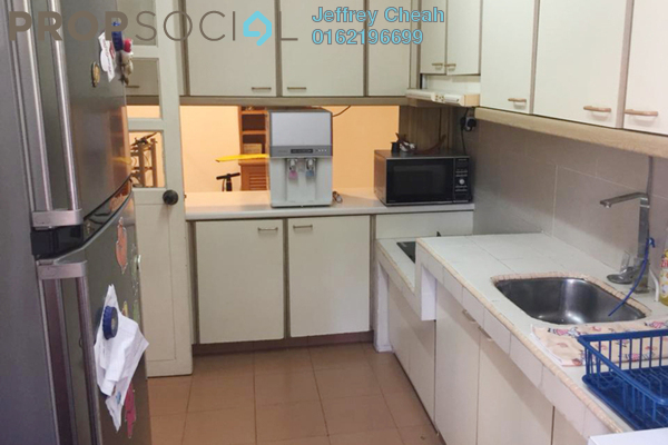 Condominium For Sale in Bangsar Puteri, Bangsar Freehold Semi Furnished 2R/2B 900k