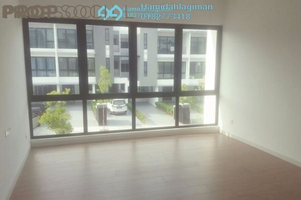 Townhouse For Sale in Sunway Kayangan, Shah Alam Leasehold Unfurnished 3R/4B 799k