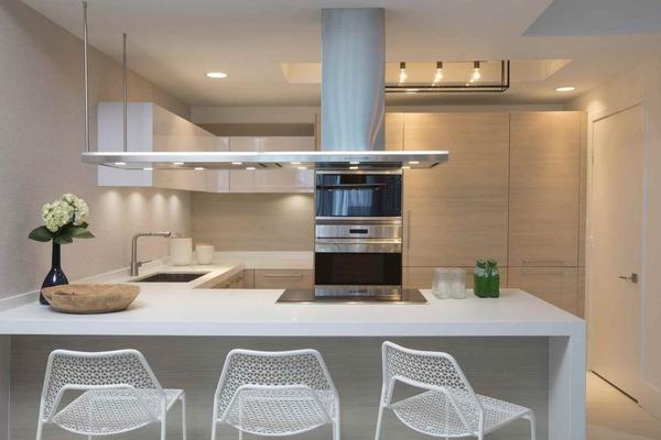3 moderncoastalcondo kitchen c5z v9hc7s7lg7f8yu3f small