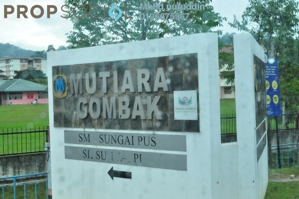 Semi-Detached For Sale in Mutiara Gombak, Gombak Freehold Unfurnished 4R/3B 1.4m