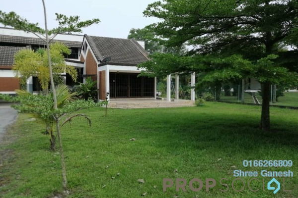 Bungalow For Rent in Section 6, Shah Alam Freehold Semi Furnished 4R/3B 1.8k