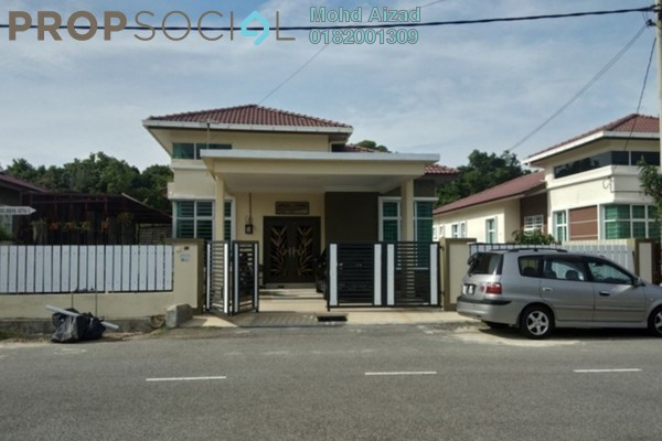 For Sale Bungalow at Taman Belimbing Setia, Melaka Freehold Semi Furnished 5R/2B 580k