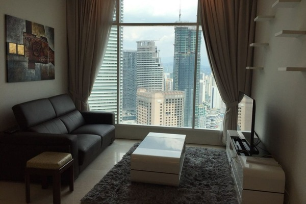 SoHo/Studio For Sale in Soho Suites, KLCC Freehold Fully Furnished 2R/1B 993k
